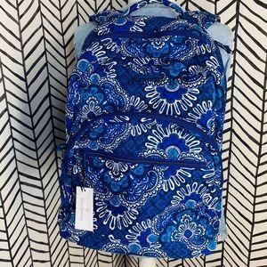 🔸 Vera Bradley large essential backpack tapestry